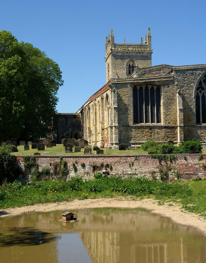A igreja & o Barton Beck de St Mary Barton Upon Humber Reino Unido foto de stock royalty free