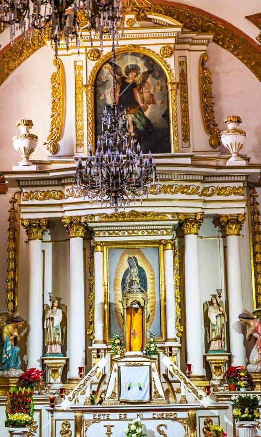 Igreja Oaxaca M?xico de Guadalupe Temple Convent Carmen Alto do altar da bas?lica imagens de stock
