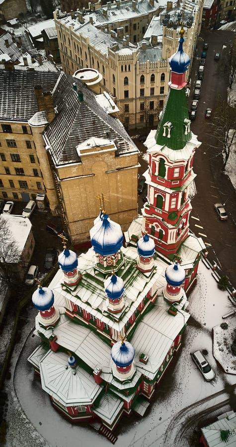 Igreja ortodoxa da trindade santamente em Riga foto de stock