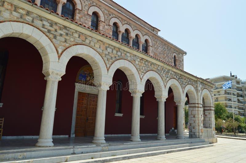 Igreja ortodoxa de Konstantinos On Its Lateral Facade com estes arcos bonitos nos portais Curso da história da arquitetura fotos de stock