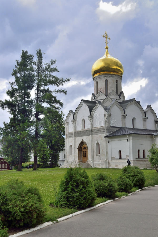 Igreja ortodoxa em Rússia na região de Moscou fotografia de stock royalty free