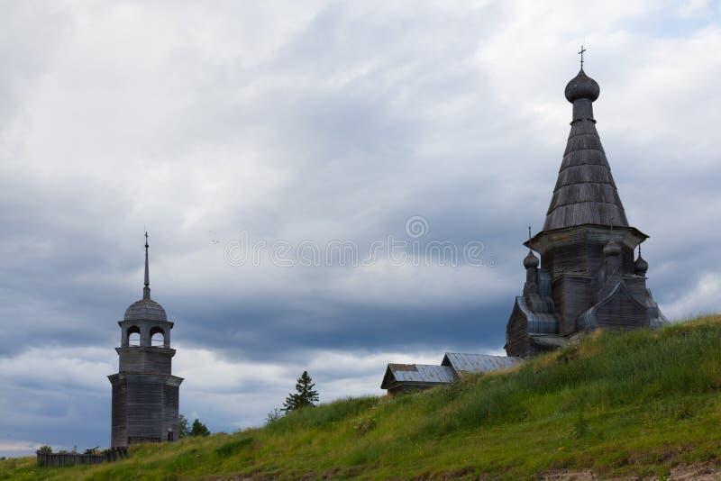 Igreja ortodoxa norte de madeira imagens de stock