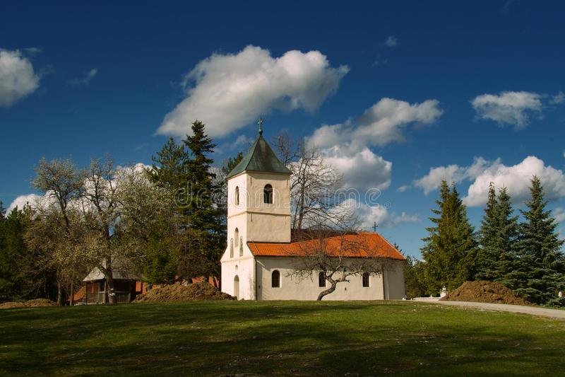 Igreja ortodoxa Sirogojno imagens de stock royalty free