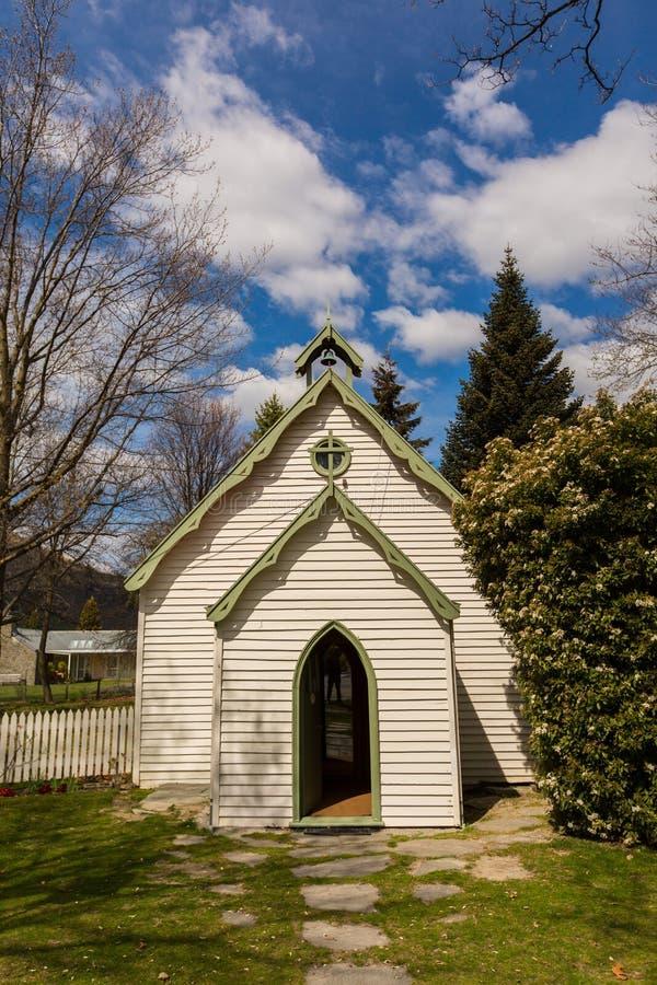 Igreja pequena em Arrowtown, Nova Zelândia fotografia de stock royalty free