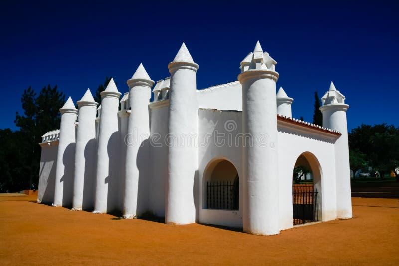 Igreja pequena em Beja, Portugal imagem de stock