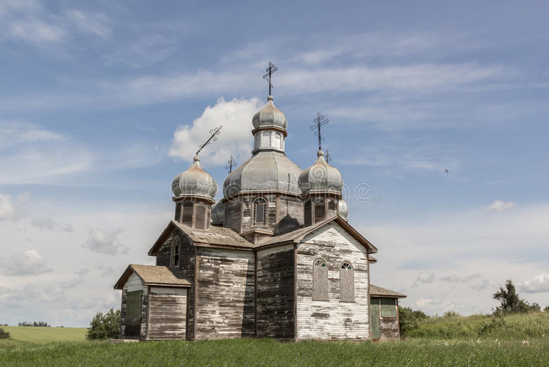 Igreja resistida velha imagem de stock royalty free