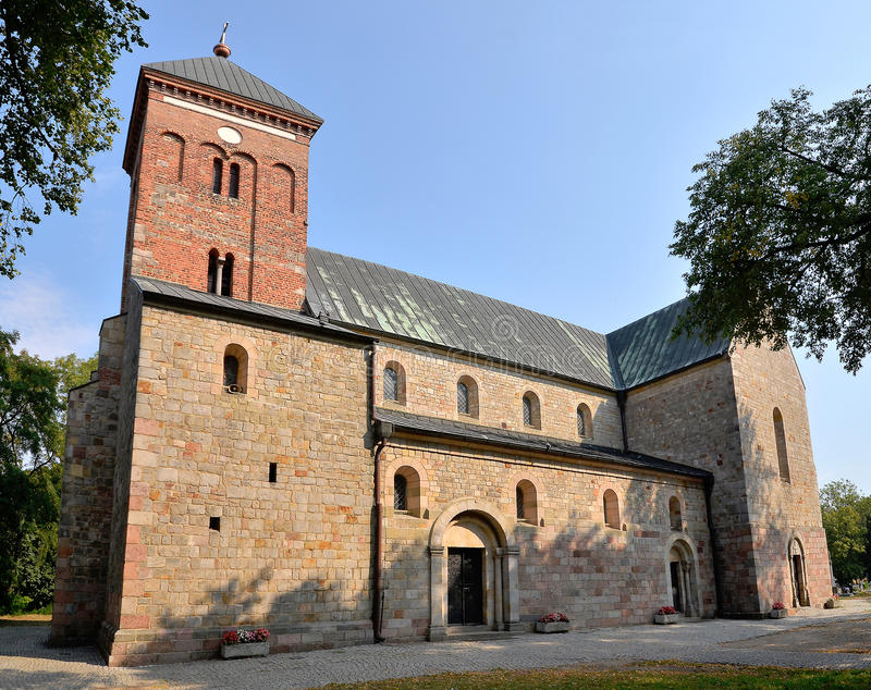 Igreja românico fotografia de stock royalty free