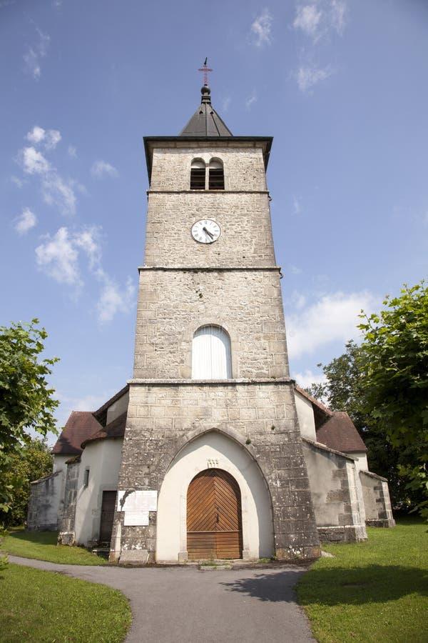 Igreja romana velha na vila de Sarrogna no Jura imagens de stock royalty free