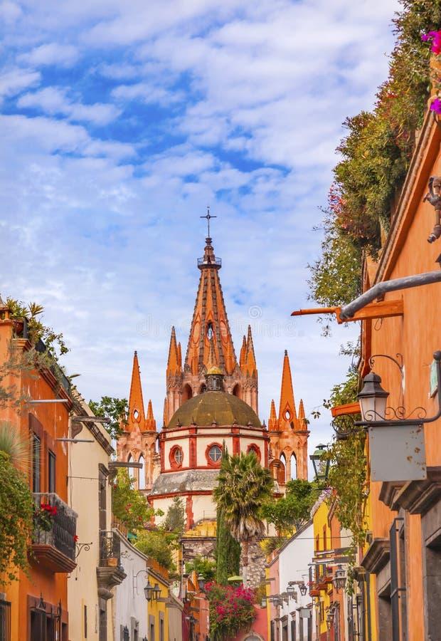 Igreja San Miguel de Allende Mexico do arcanjo de Parroquia da rua de Aldama fotos de stock royalty free