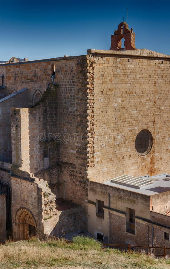 Igreja Santa Maria la Mayor em Montblanc imagens de stock