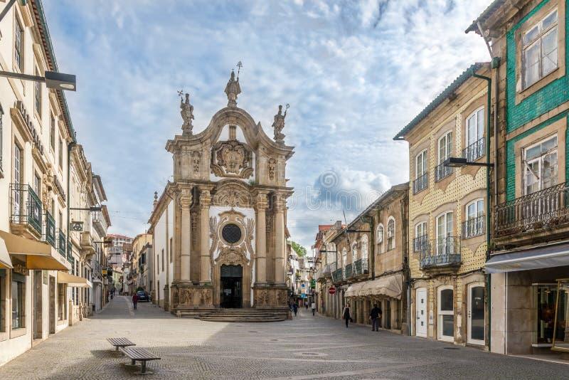 Igreja Sao Paulo nas ruas de Vila Real em Portugal foto de stock