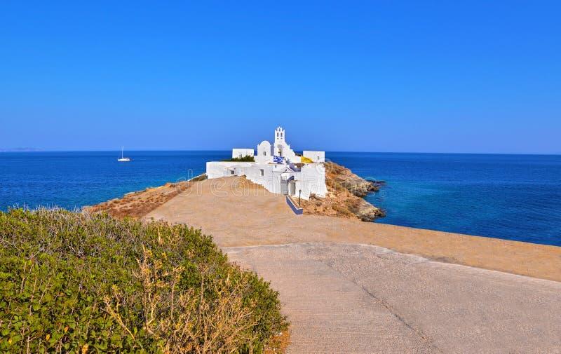 Igreja Sifnos Grécia de Panaghia Chrisopigi fotos de stock