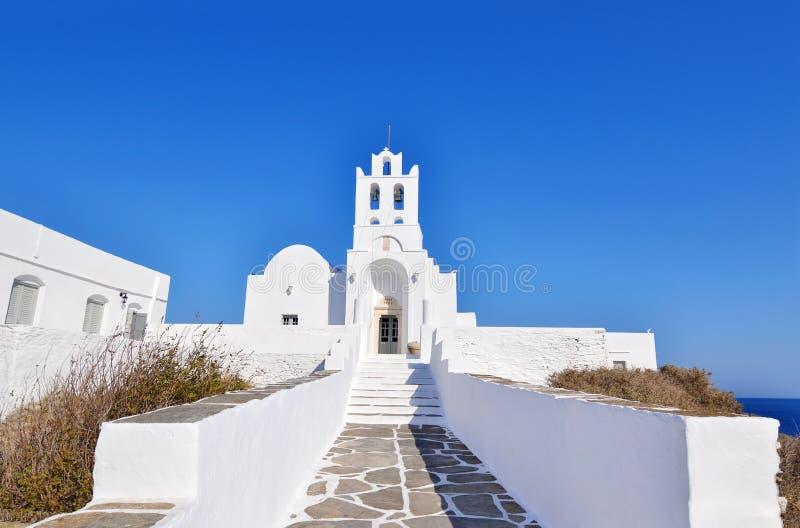 Igreja Sifnos Grécia de Panaghia Chrisopigi fotografia de stock