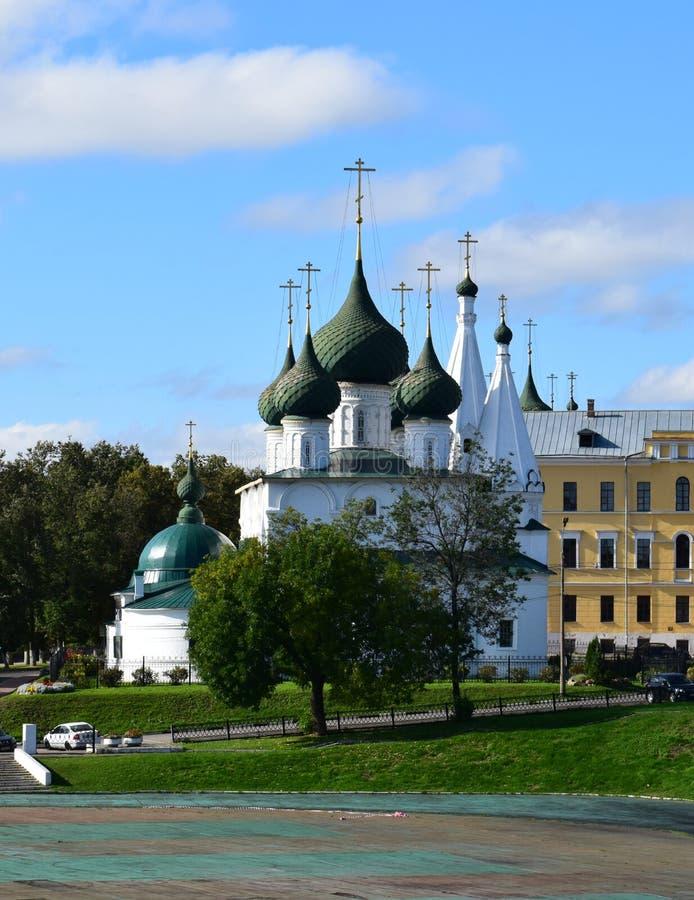 Igreja Spasa na cidade na cidade de Yaroslavl imagem de stock