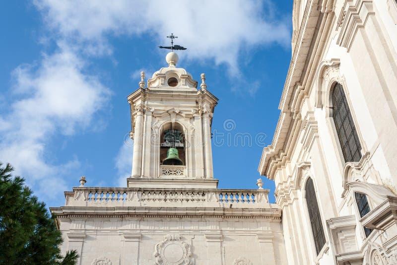 Igreja velha de Lisboa Portugal na região do alfama do oldtown Lisboa Bui fotos de stock royalty free