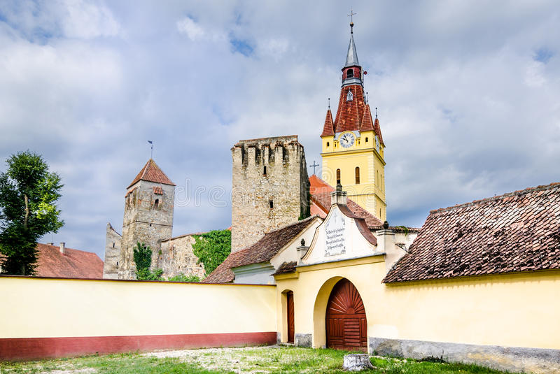 Igreja velha em Cristian, Brasov, Roménia fotografia de stock