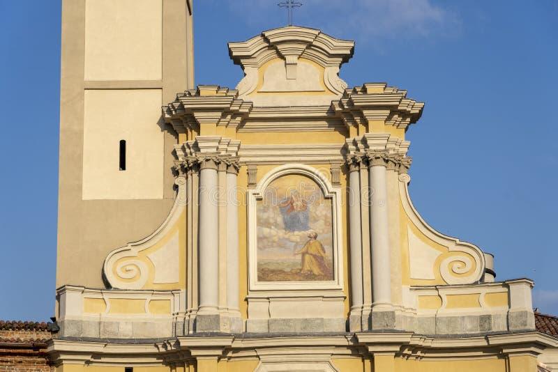 Igreja velha em San Giuliano Milanese, Itália fotos de stock