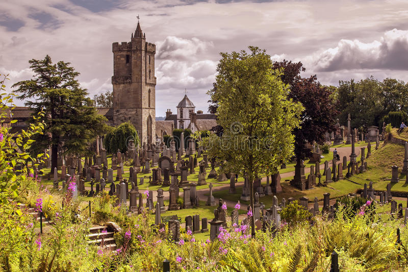 Igreja velha em um dia ensolarado imagens de stock royalty free