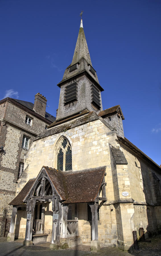 Igreja velha Honfleur, France imagens de stock
