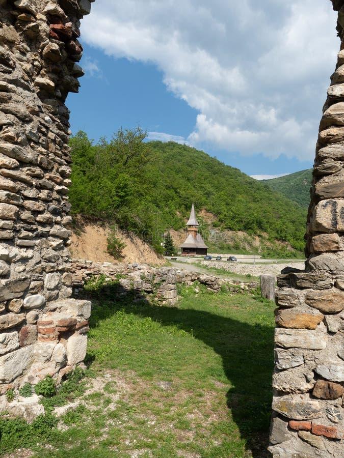 A igreja velha no monast?rio de Vodita, Rom?nia imagens de stock royalty free