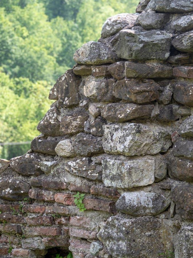 A igreja velha no monast?rio de Vodita, Rom?nia imagens de stock