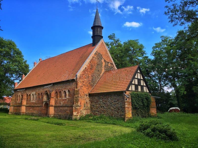 Igreja velha no Pol?nia fotos de stock