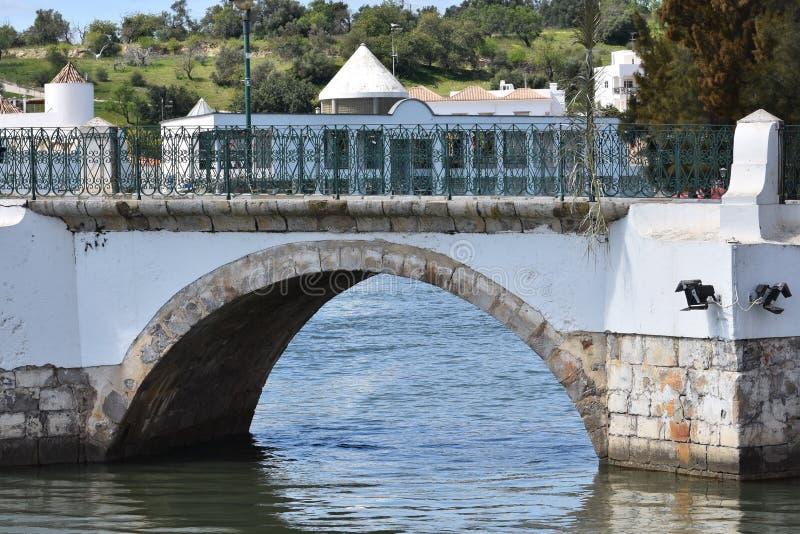 Igrejas e monumentos em Tavira, o Algarve, Portugal imagem de stock