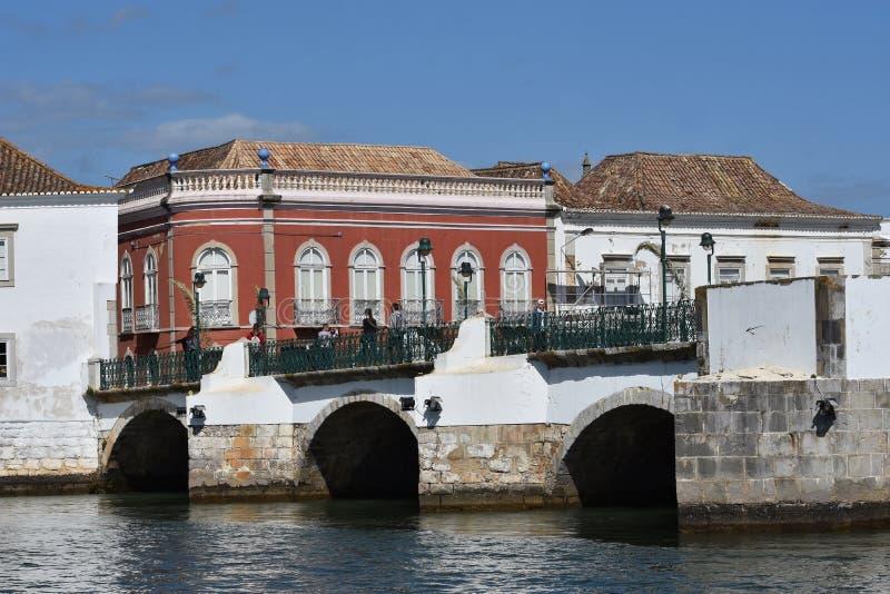 Igrejas e monumentos em Tavira, o Algarve, Portugal fotos de stock