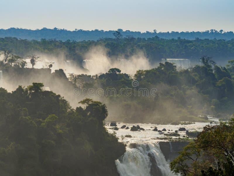 Iguacu baja en el Brasil foto de archivo