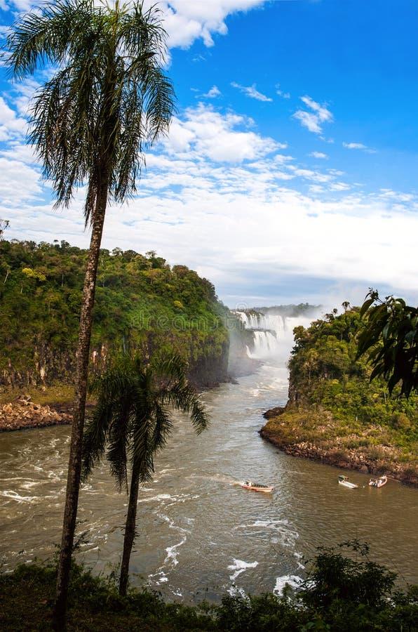 Iguacu nedgångar från den Argentina sidan royaltyfri bild
