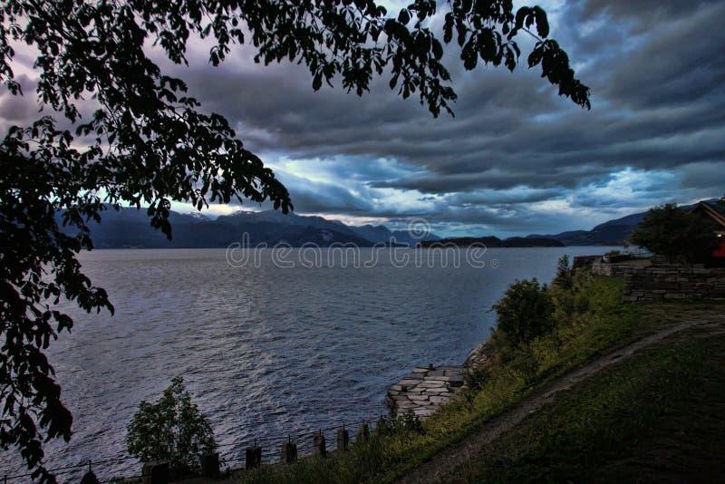 Igualación de la atmósfera del cielo nublado, Escandinavia imágenes de archivo libres de regalías