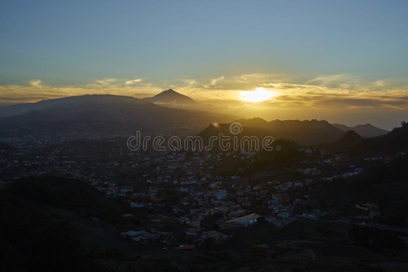 Igualación de la vista del volcán de Teide fotografía de archivo libre de regalías