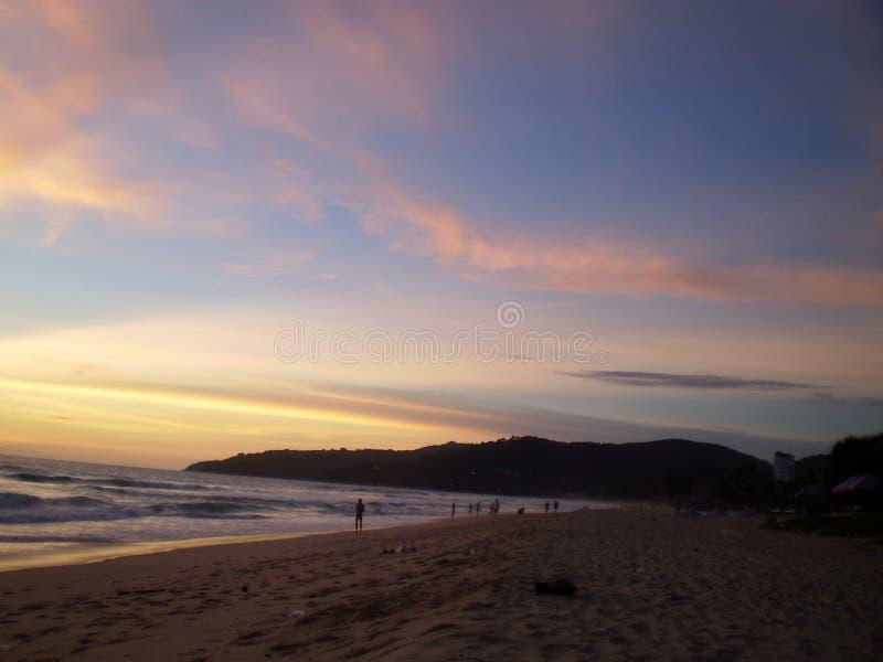 Igualaci?n de la atm?sfera de la playa foto de archivo