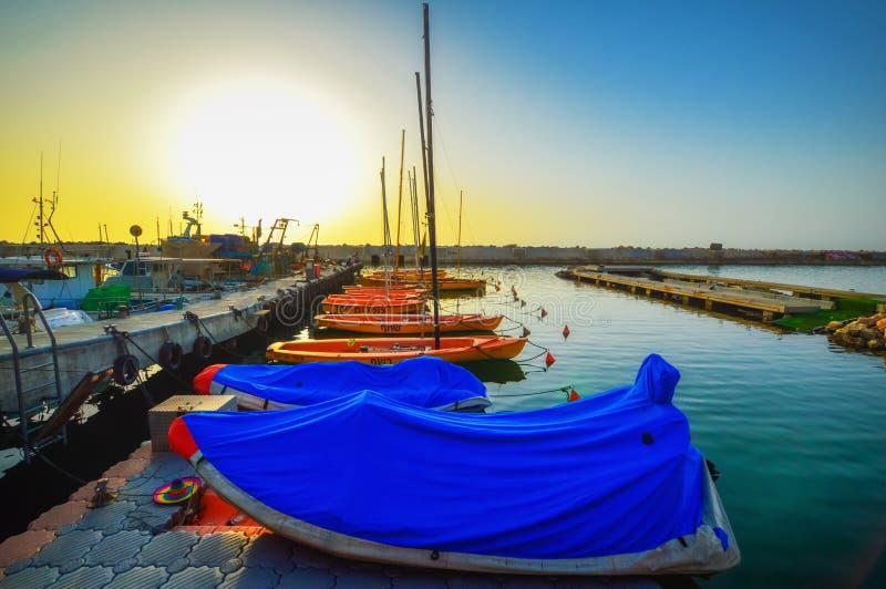 Igualaci?n del puerto viejo de Jaffa en la puesta del sol del d?a Tel?fono Aviv Yafo Israel fotos de archivo libres de regalías