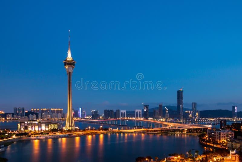 Igualando el panorama del Praia de Macao grande, de Sai Van Bridge, del distrito y de la torre, Torre de Macao de Taipa SE, Macao fotografía de archivo libre de regalías