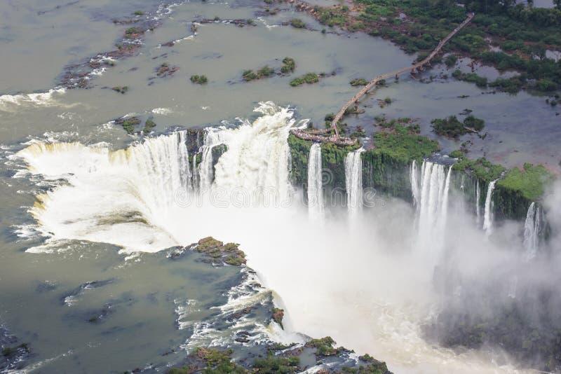 Iguassu понижается от воздуха Iguassu, Foz делает Iguacu, Бразилию стоковая фотография