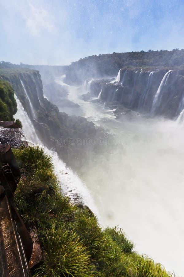Iguassu fällt Schlucht Argentinien und Brasilien stockbild