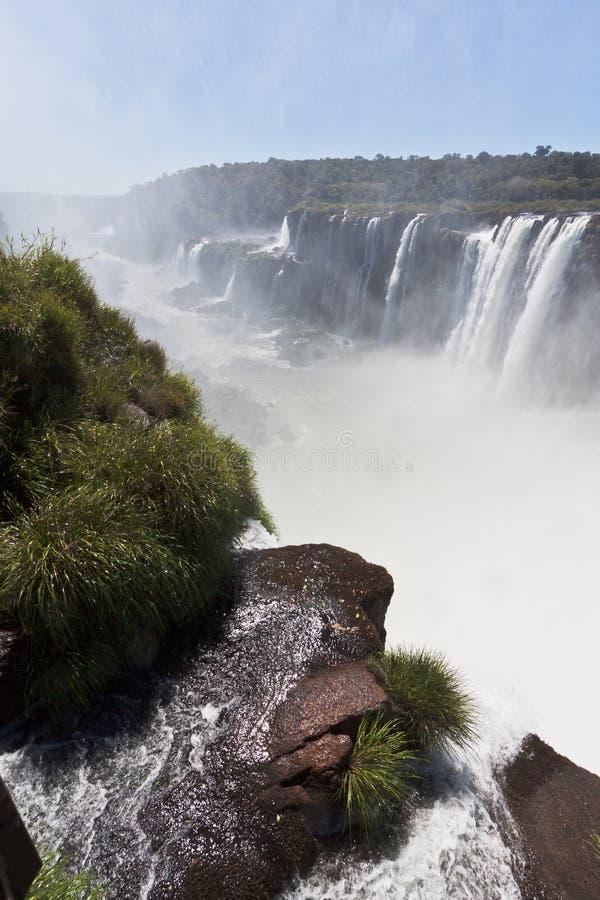 iguassu för argentina brazil kanjonfalls royaltyfria bilder