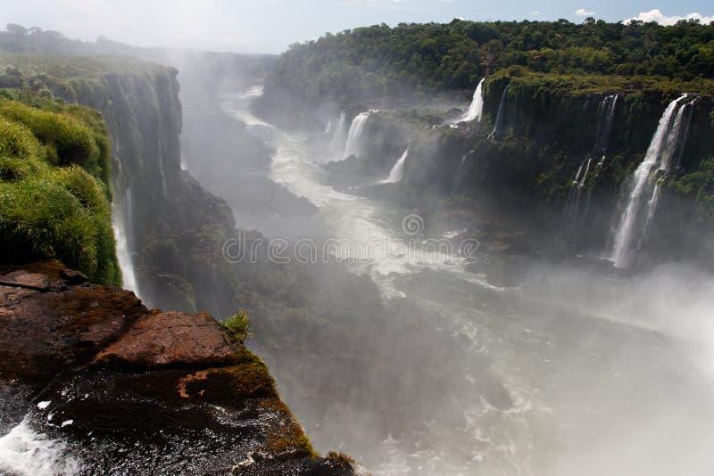 iguassu för argentina brazil kanjonfalls arkivfoton