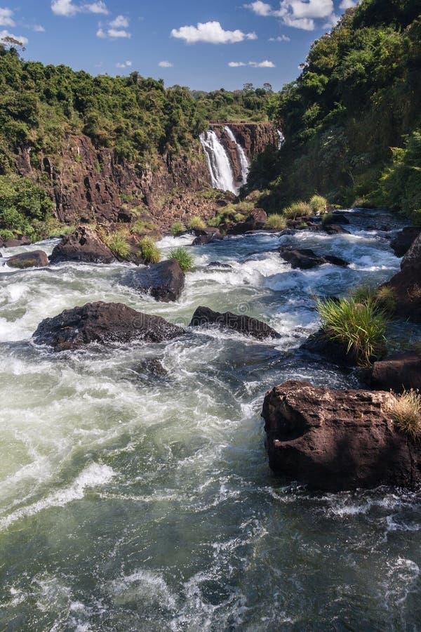 Iguassu-Fluss Argentinien und Brasilien stockbilder