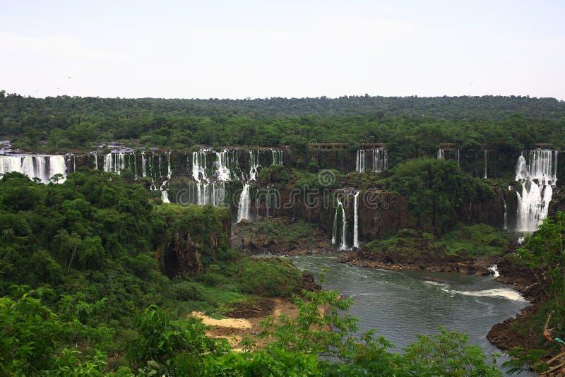 Iguassu (Iguazu; Iguaçu) Dalingen - Grote Watervallen stock fotografie