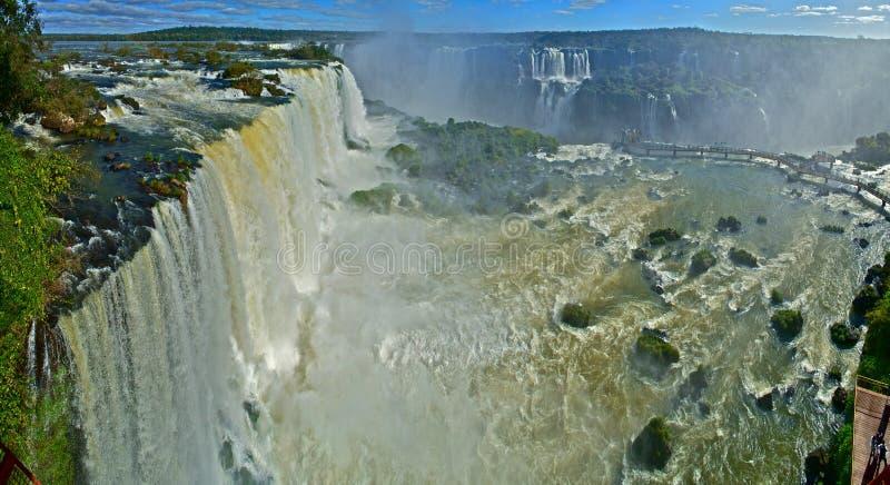 Iguassu nedgångar av Brasilien stora Panaroma arkivbilder