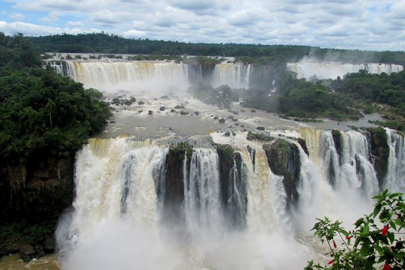Iguassu-Wasserfälle lizenzfreie stockfotografie