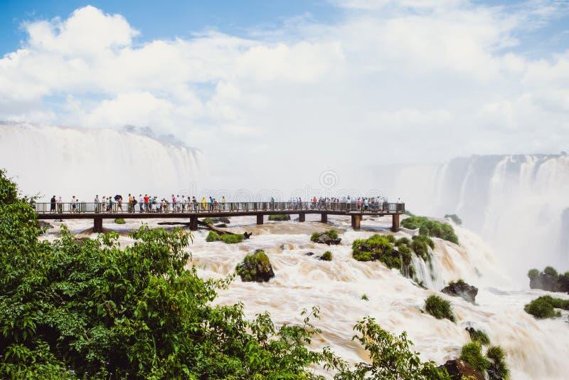 Iguassu-Wasserfall in Brasilien stockfotos