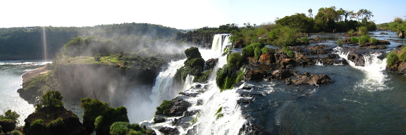 Iguazu Falls 1 panoramico fotografia stock libera da diritti