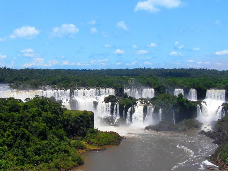Iguazu Falls foz de Iguacu, sju under av världen Foz de Iguazu gräns mellan Argentina och Brasilien arkivfoto