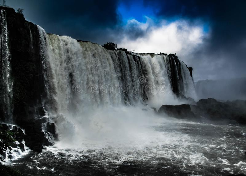 Iguazu Falls i brasiliansk sida royaltyfri foto