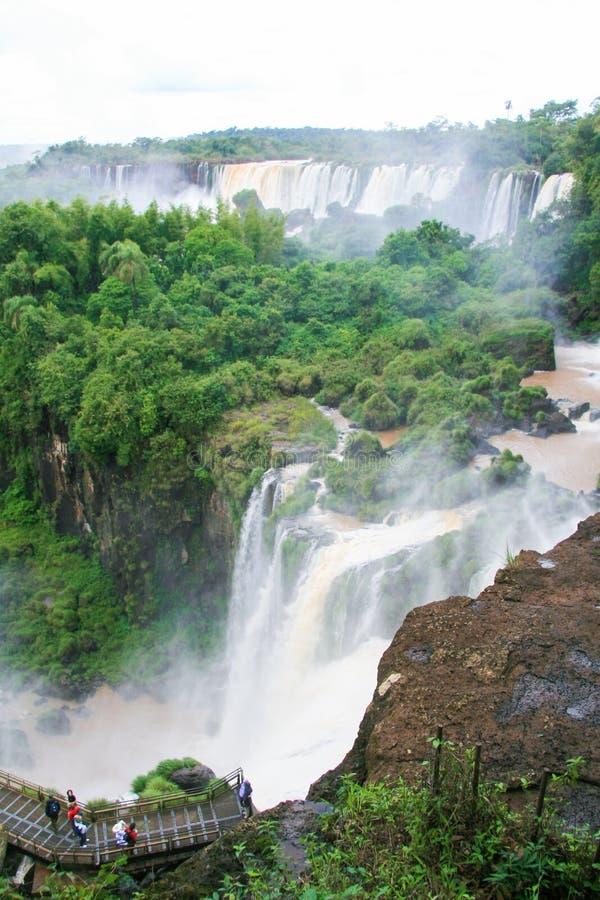 Iguazu Falls på gränsen av Argentina och Brasilien arkivfoton