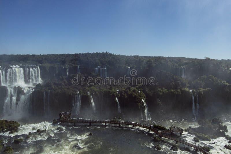 Iguazu Falls p? en ljus solig dag royaltyfria foton