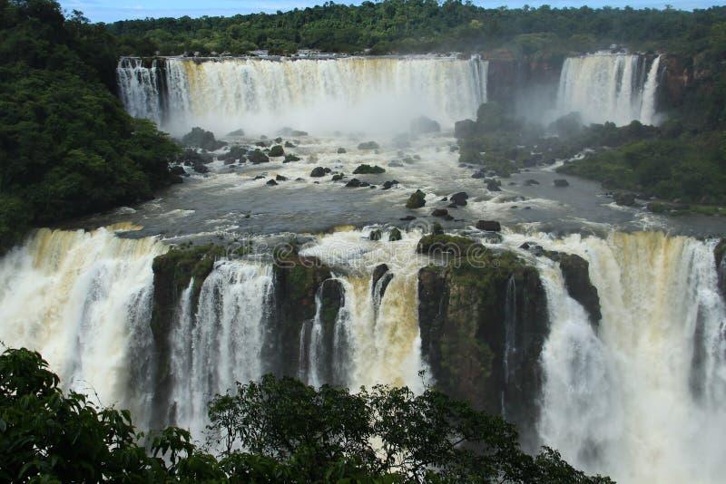 Iguazu valt - bekijk van de kant van Brazilië stock foto
